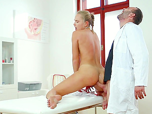 sexy nurse Ivana Sugar adores fuck and pussy liking on the table