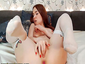 Redhead Babe On Her Sensual Flawless Sexy Cam Sow