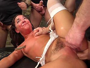 BDSM while she screams from pleasure is fabulous for Amara Romani