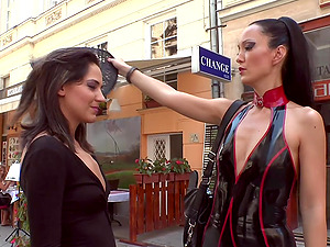 Fetish Liza with fetish to be a slave used and humiliated in public