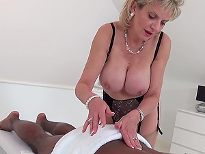 Lady Sonia giving a blowjob to a BBC