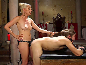 Adorable Lorelei Lee uses a strapon to please her kinky friend
