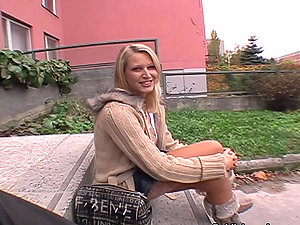 Beautiful Blonde Honey Gives Blowage Outdoors For Money