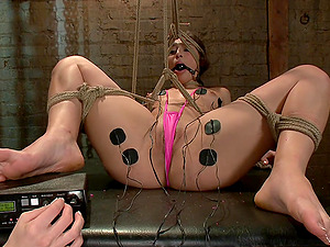 Abella Danger in pink stockings tortured by hot Chanel Preston
