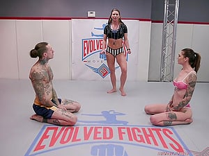 After she finished a match Ruckus gets her pussy banged by her fight partner