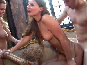 Alexis May and Claudia Rossi enjoy unforgettable foursome today