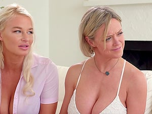 Facesitting and lesbian threesome are memorable with Christie Stevens