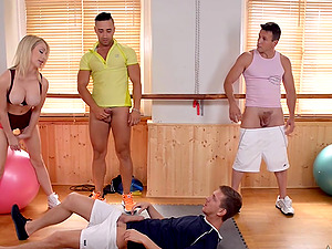 Gangbang with her friends is something that Chessie Kay adores to do