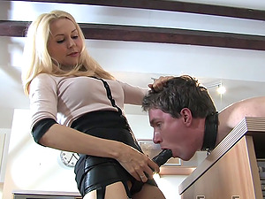 Helpless male slave gets pegged by hot Mistress Eleise de Lacy