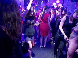 in the night club everything is possible if you are horny enough