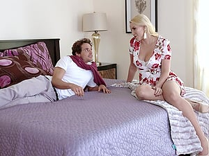Blonde Vanessa Cage gets her pussy pounded by her horny boyfriend