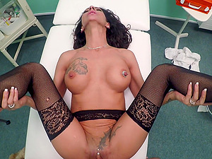 Valentina Sierra adores rough sex and a blowjob in the hospital