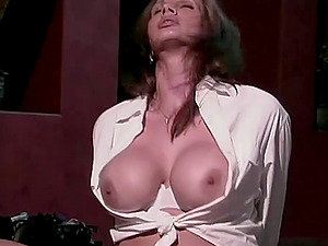 Hot MILF Gets Fucked Anally With Vibrator On Pu