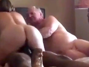 Straight daddy wiggling and curling toes during sex.