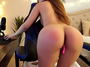 Horny babe having fun with her lovense vibrator on cam