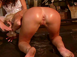Sexy blonde Angela Winters knuckles her asshole in hot Sadism & masochism clip