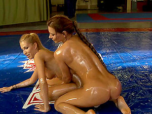 Dorothy Black vs Clara G. in an oiled up fight