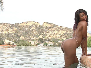 Chanell Heart enjoys outdoor fuck with a dude during her vacation
