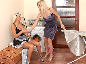 Karolina and Michelle love fucking each other's vags with a faux-cock