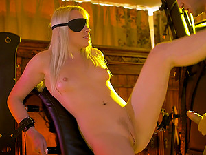 Amateur wife Lola Taylor gets tied up and fucked by her husband