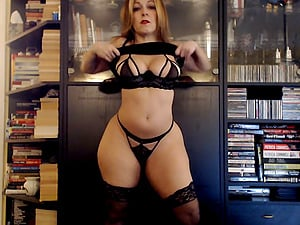 Hot mature woman fucks on cams and she is real PAWG that is so fucking curvy