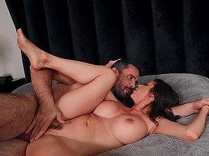Alexis Fawx fucked by her horny husband and licks cum from the mirror