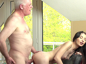 Doggystyle and missionary position fucking for babe Roxy Sky