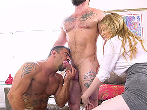 Dirty bisexual threesome sex with amazing blonde chick Bunny Colby