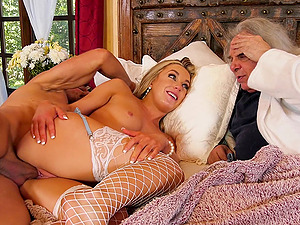 Busty blonde wife Kate Kennedy fucked in front of her husband