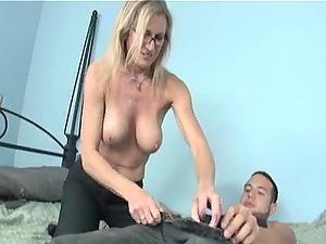 HandyMan repairs the bed of Jade Jameson and she gives him a handjob