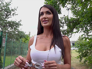 Quickie outdoor fucking ends with cum on tits for Princess Jasmine