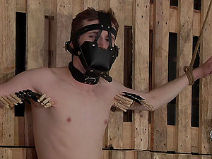 Slender guy with a mask gets tied up and fucked by a pervert