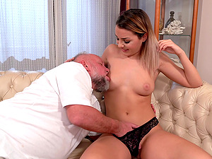 Horny mature dude gets lucky and fucks hot ass Bianca Booty