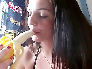 Busty Babe having a good time with vegetables on cam