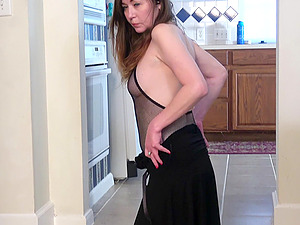 Ophelia Rosenburg wanted to take off her lingerie and masturbate