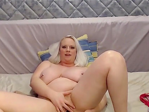 Big and Beautiful Blond Girl With Huge Tits Squirting on Sheets
