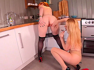Red and her girlfriend fuck each other