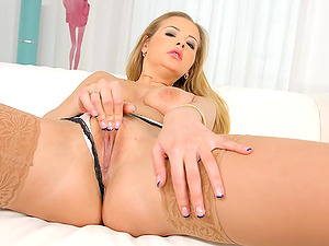 Passionate pussy and ass fucking for pornstar Candy Alexa