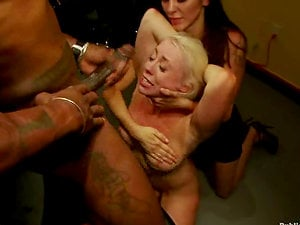 Jack Hammer gives his device to a sexy stunner Lorelei Lee