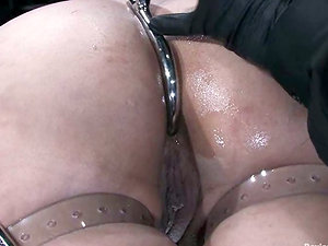 Penny Barber loves a hook in her culo and a gag in her mouth