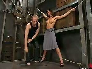 Holly Wellin Screaming to a Restrain bondage Rough Gonzo Fucking