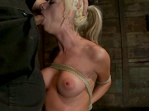 Frog-tie enjoyments for a crazy and greedy blondie
