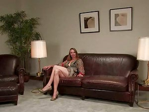 Hot mom Sasha Lexing gets tormented in the living room and likes it