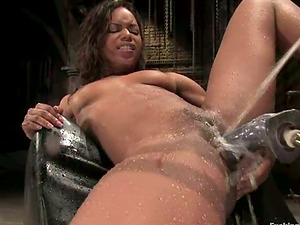 Black Marie Luv Gets Her Lubricated Cunt Banged by Machine