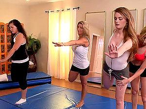Yoga Labia Have fun for Lesbo's