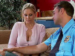 Blonde Mummy Has Some Sexy Time With an Officer
