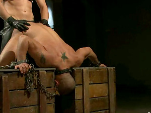 Leo Forte gets bashed and fucked by Van Darkholme in Domination & submission scene