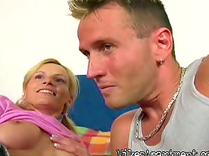 Blonde Man rod Sucker Gets Her Trimmed Cunt Fucked with Microskirt On